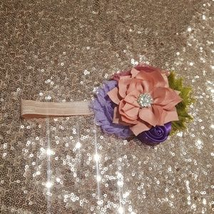 Other - Beautiful floral baby girl headband